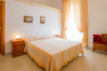 Double Room in historical farm - Salice Salentino - House