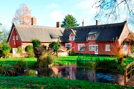Crossways Farm: bed, breakfast and a place to be - Bed & Breakfast