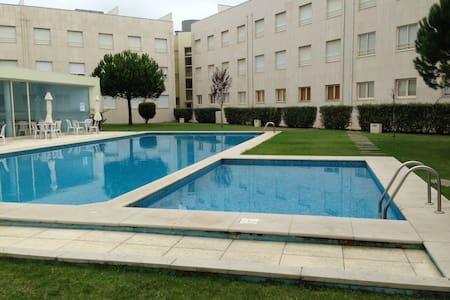 Apartamento c/ piscina, próximo da praia de Ofir - Byt