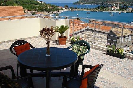 Apartment II Radišić beautiful view - Vis - Lejlighed