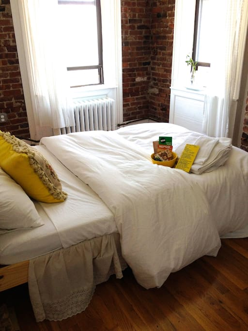 The Guest Room!  Bright sunny private bedroom - great for couples or single travelers!