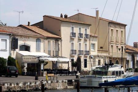 Quayside Apartment in Marseillan - Apartment