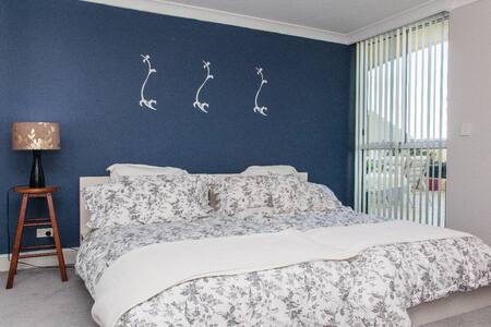 luxury apartment in security block - Brighton-Le-Sands