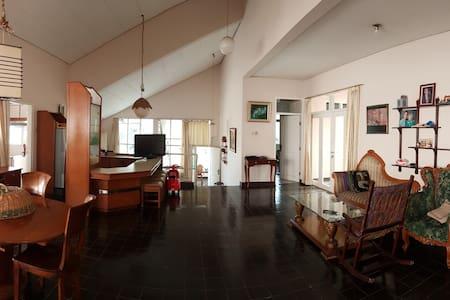 Villa Rumah Harian Lembah Cisitu Bandung - Coblong