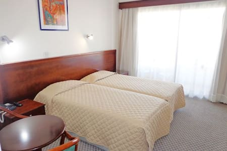 Small & Friendly Town Centre Hotel  - Paphos - Bed & Breakfast