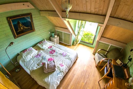 Room n°3 : Double bedroom in countryside house - House