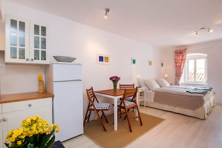 Comfortable studio in old town - Byt