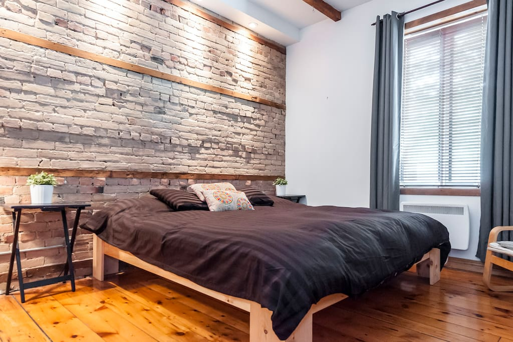 Big bedroom with a NEW KING SIZE bed (mattress is high quality natural latex + organic cotton).