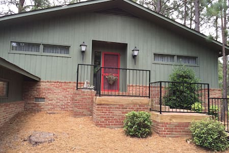 Pinehurst area-golf course views- - Seven Lakes
