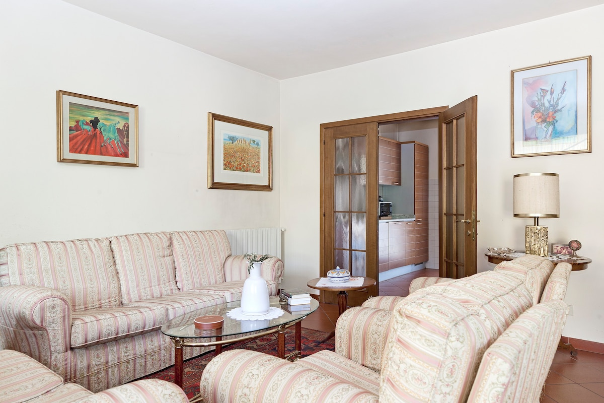 Buy semi-detached house in Florence