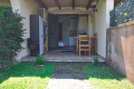 """little villa""100 meters from beach - Apartment"