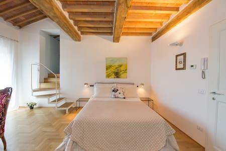 CASA DELLA PIA, a special room - Massa Marittima - Bed & Breakfast