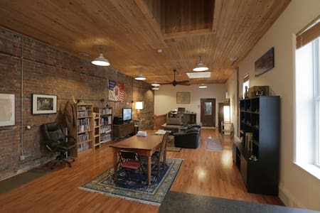 Spacious and Private Artist Loft