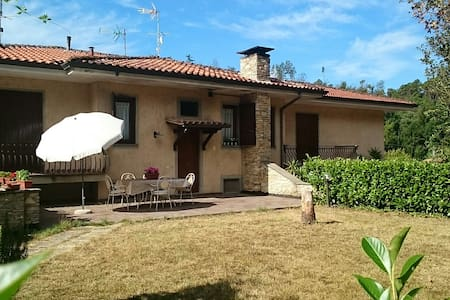 Lucca in una stella monsagrati b&b - House