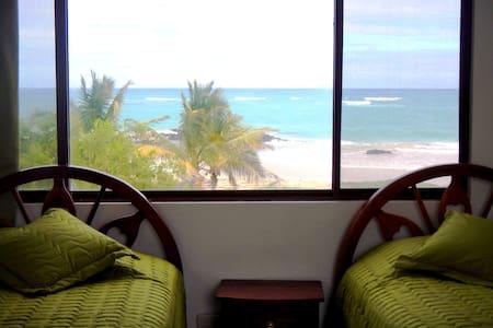 Habitación Escalecia, vista al mar - Puerto Villamil - Altres