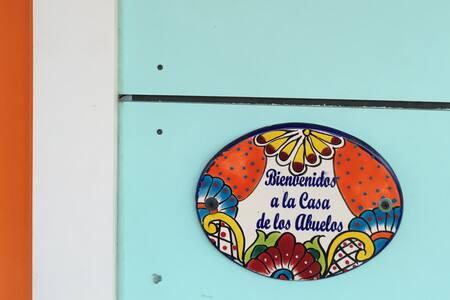 #CasadeAbuelosATX - Austin - House