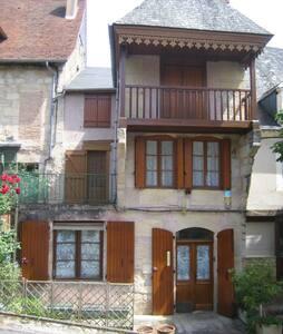 Maison de bourg dans le Périgord