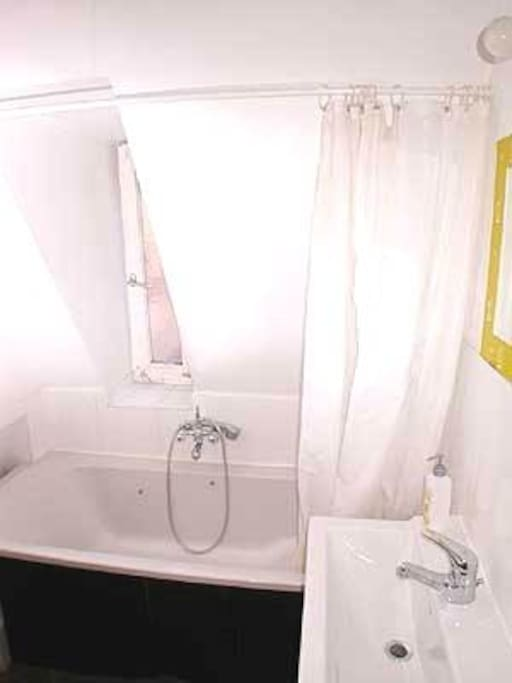 Beautiful room in central location