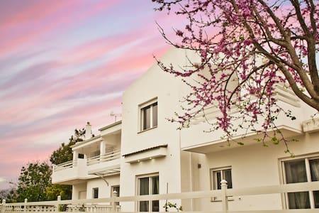 Gaia Apartments - Valimitika