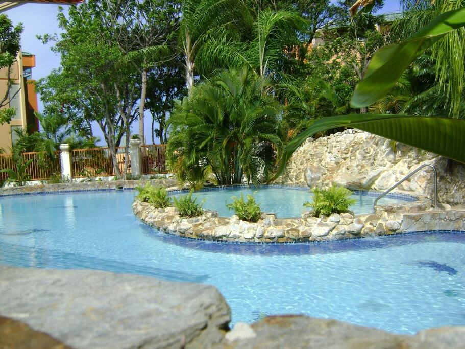 3 bedroom penthouse near the ocean apartments for rent for Villas koralina cabo rojo