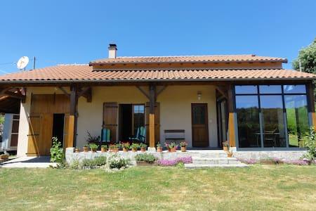 Pré du Boutey - Ally - Villa