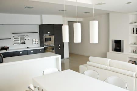 Sliema Sea-view Apartment - Sliema - Apartment