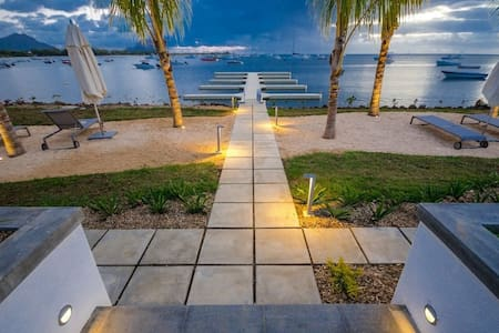 Seafront Luxury Living - Tamarin