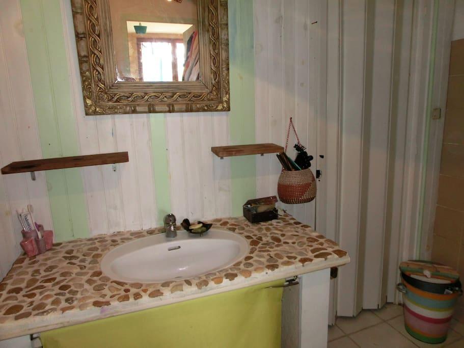 chambre et piece supp avec entr e independante maisons. Black Bedroom Furniture Sets. Home Design Ideas