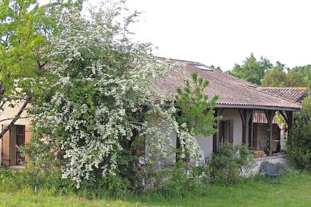 Maison de campagne isolée - Puymiclan - House