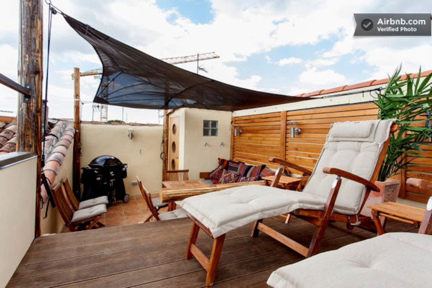 Relax in the shade of the sail on the Roof-Top Terrace