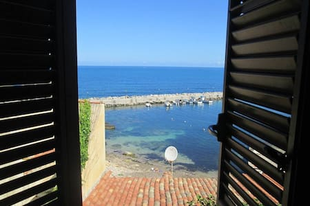 La finestra sul porticciolo  - Trappeto - Haus