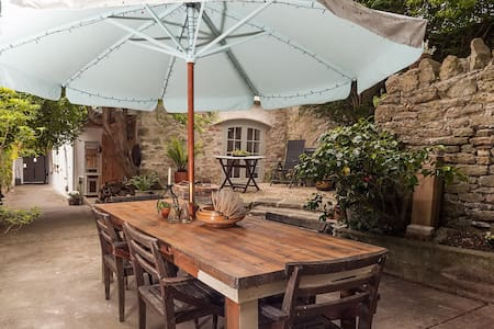 Garden Apartment in Medieval Square - Axbridge - Lägenhet