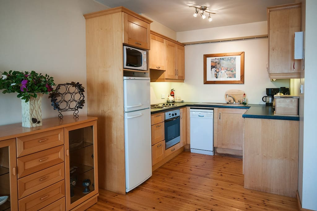 Kitchen open plan and everything that you could possibly want