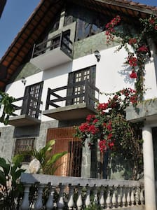 Chalet Guesthouse - hostel