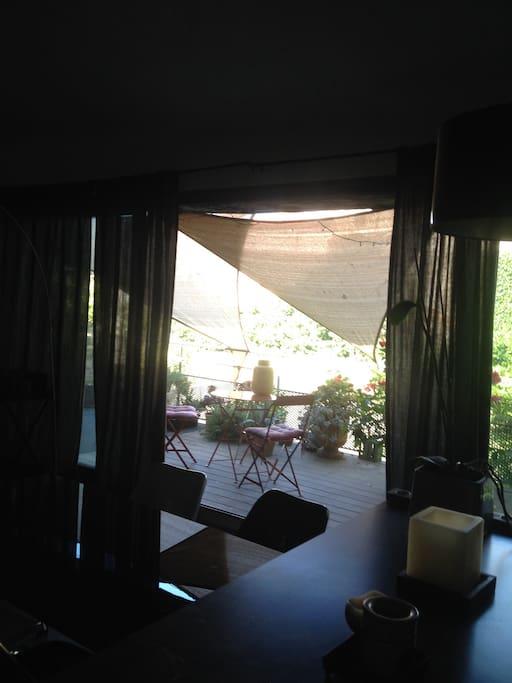 Vue du séjour sur terrasse