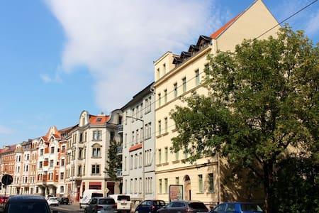 Frisch sanierte Altbauperle - super zentral! - Wohnung