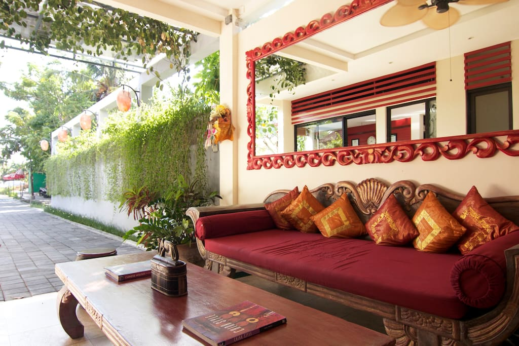 When you arrive at Bali Ginger Suites you will be met with a warm welcome, cold welcome drink and cool towels.