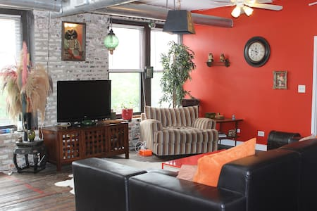 Private room, vintage south loop loft. - Chicago - Appartement
