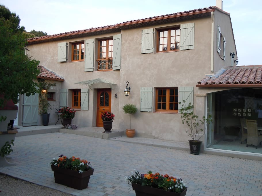 House In Provence Bed and Breakfast