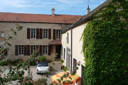 Les Chambertines (Luxury B&B) - Gevrey-Chambertin - Bed & Breakfast