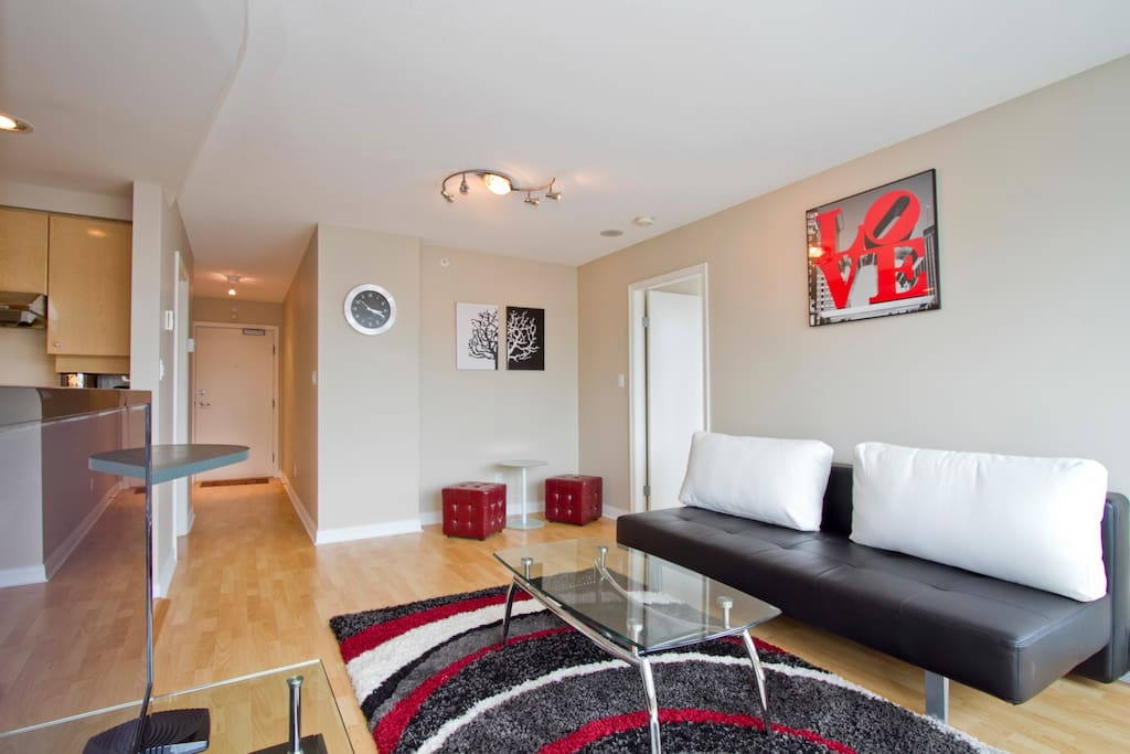 D25 - Yaletown luxury 2 bedroom