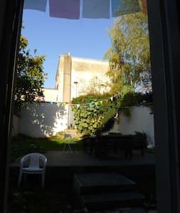 Chambre/Room/Cuarto Brussels (Forest) - Lägenhet