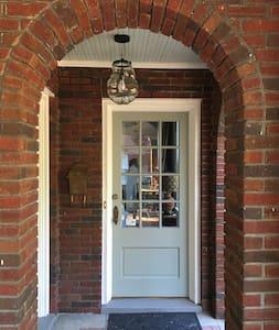 Historic Bungalow - Tupelo - House