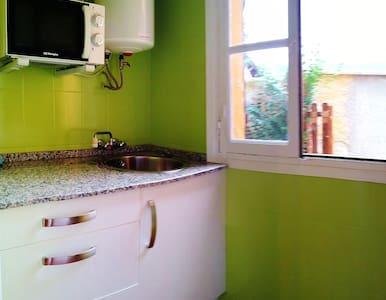 Preciosa casita para 3 personas - Dom