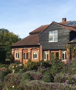 Nr Stansted Airport, charming home - Hertfordshire - Huis