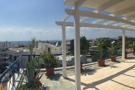 The Family Penthouse with a Seaview in Voula - Voula