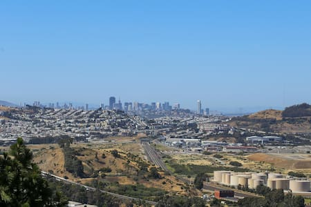 3 bdrm, SF,bay and mountain views - Apartemen