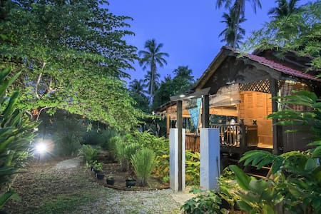 TERATAK 1 - Malay Farmers' Hut - Chalet