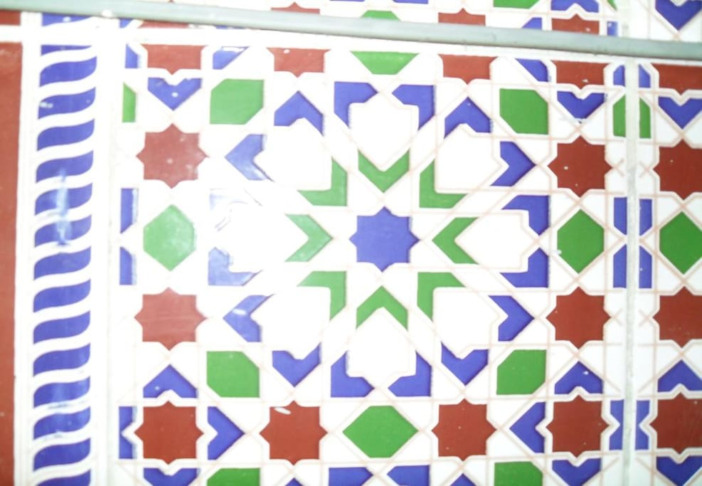 moroccan zelige