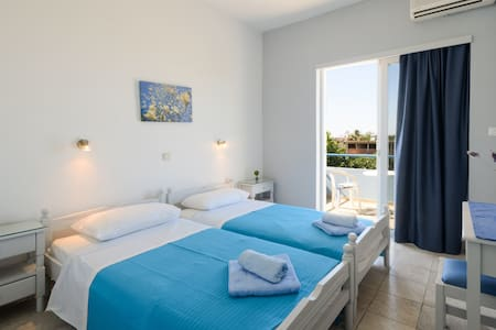 Cosy Apartment with pool - Ialisos - Apartemen